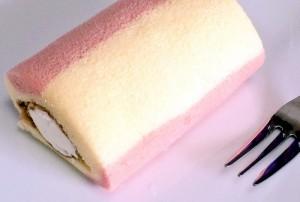 サンクスのプチロールケーキミルククリーム