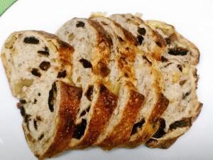 箱根ベーカリーのイチジクくるみパン