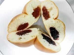 三種のベリーのジャムパン