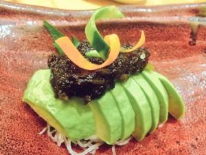 アボカドの岩のり山葵ソース