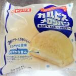 ヤマザキ カルピスメロンパン買ってきた~