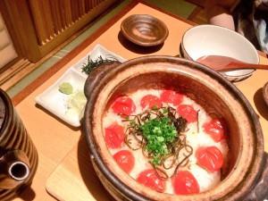 トマトと塩昆布の土鍋ご飯