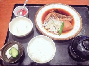 えぼし 本日の鮮魚の煮付け定食