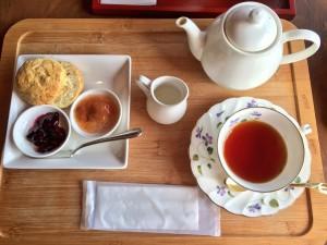 清閑亭 侯爵の紅茶(スコーン付)