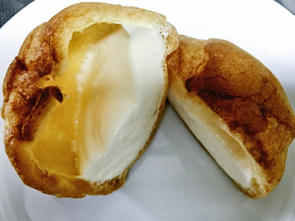 モンテールの期間限定カマンベールチーズのシュークリーム食べた