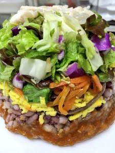 スプーンで食べる 五穀米のビビンバサラダ